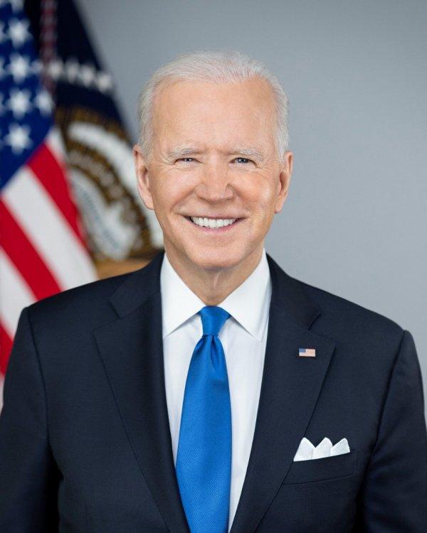 Joe_Biden_presidential_portrait.jpg
